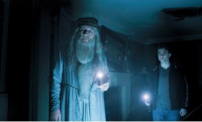 ハリー 暗い部屋で.jpg